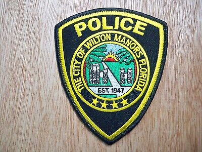 Florida - Wilton Manors Police Patch CURRENT ISSUE WITH NEW CENTER SEAL