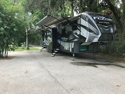 Fifth Wheel RV Toy Hauler 2017 Keystone Fuzion 414 3 A/Cs Loaded with options!!