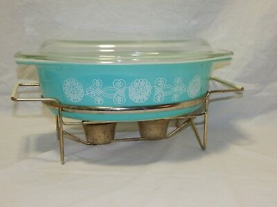 Vtg Pyrex Oval 2 1/2 qt. Blue Lace Medallion Pattern Oval Dish W/ Warming Stand