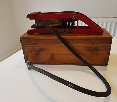 """A Fine Kismet Baby Vehicle Tyre Pump By """"w.m. Turner"""" Of Sheffield Pumps Air"""