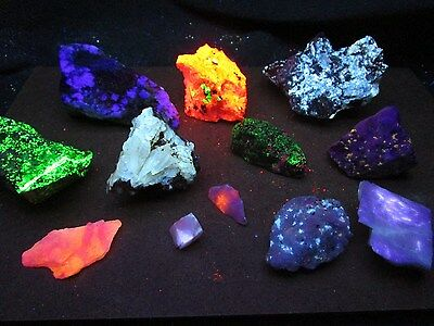 CLEARANCE! 2 Lb Fluorescent mineral rock crystal mineral fluorescent rock box