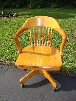 Antique  Oak Milwaukee Chair Co Bankers Lawyers Desk Office Chair