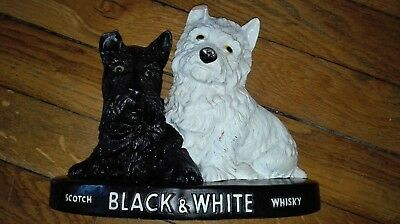 Statue Vintage Black and White whisky