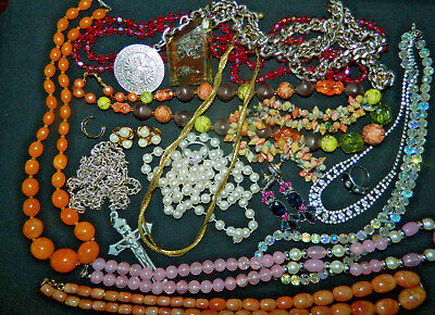 small job lot of mixed vintage costume jewellery