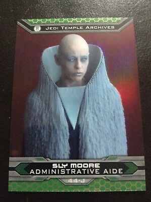 2015 Topps Chrome Star Wars Chrome Perspectives Sly Moore Jedi Gold Refractor/50