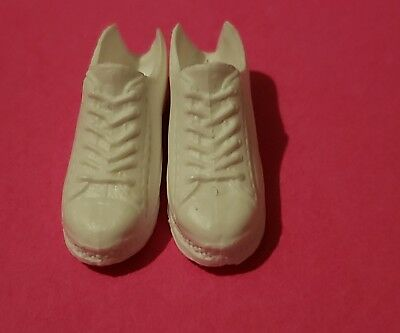 Barbie WHITE SNEAKERS FLAT FOOT FROM FASHIONISTA #90