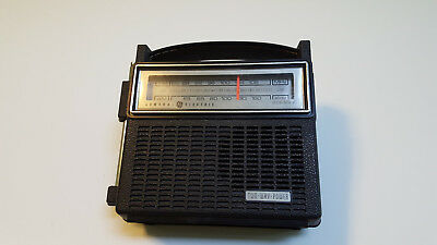 "GE portable transistor radio ""super"" 7-2810 from 1977 - excellent collector cond"