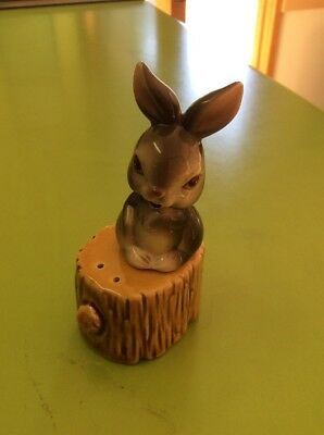Vintage Collectable Retro Rabbit And Stump Salt And Pepper Shakers