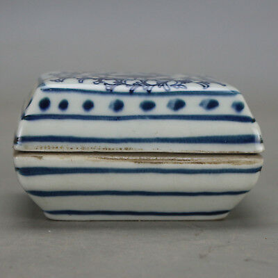 Chinese old hand-carved porcelain Blue & white flower pattern inkpad rouge box