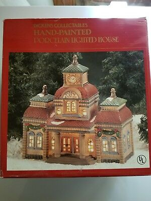 Dickens Collectables Hand-painted Porcelain Lighted House Christmas Village