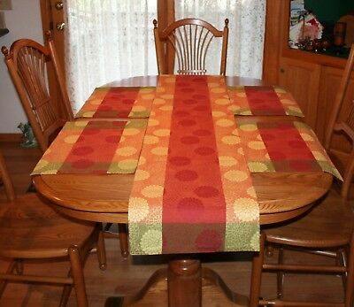Pier 1 Peonies Jacquard Table Runner 4 Placemats Floral Orange Red 100% Cotton