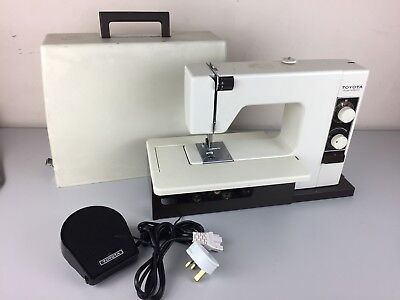 Toyota Model 4500 Sewing Machine With Foot Pedal Accessories Extras