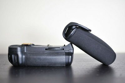 Nikon MB-D10 Battery Grip for Nikon D700, D300, and D300s Cameras - Genuine OEM!