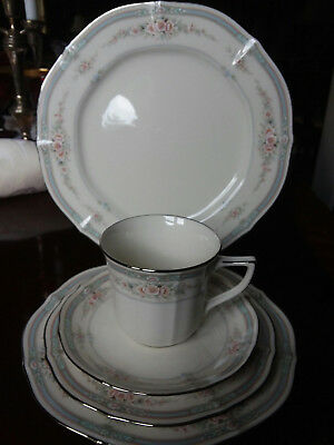 30 pc set Noritake Rothschild fine china service for 6