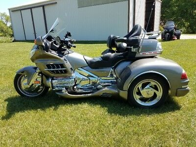 2006 Honda Gold Wing  Honda Goldwing Trike GL1800 CSC (2006 Motorcycle with 2016 California SideCar)