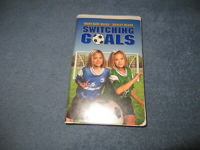 Switching Goals pre-owned VHS tape 2000 Mary-Kate & Ashley white clam case