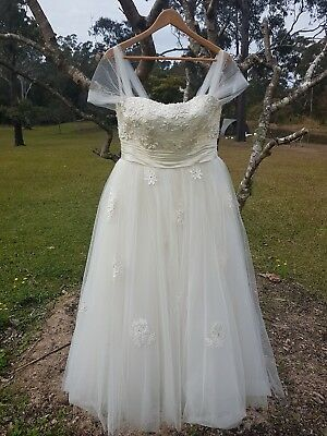 Sz 12 (approx) Tea party length Wedding Dress Lace Tulle Ivory