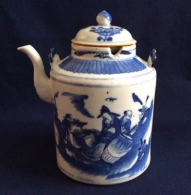 Antique Chinese Porcelain Kangxi Blue and White Large Figural Teapot Lid 20cm