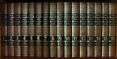 Funk and Wagnalls Encyclopaedia encyclopedia. full set 31 books w 2 dictionaries