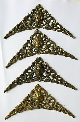 A Good Set Of Four Inch Spandrels