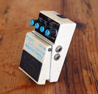 Boss DD-2 Digital Delay Effect Pedal ->Vintage classic - MIJ - Blue label<-