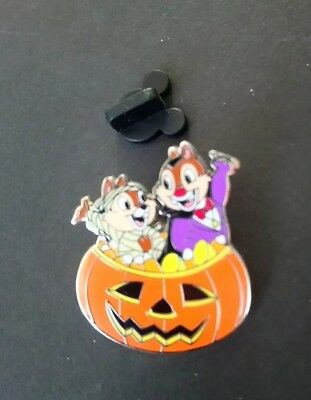 2009 Chip and Dale halloween disney pin
