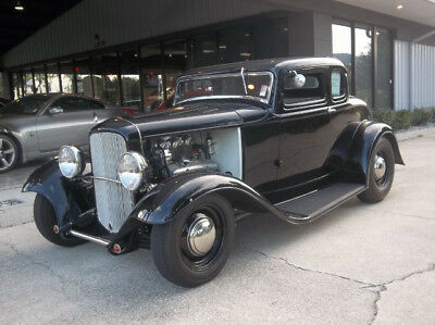 1932 Ford 5 window Steel Coupe 5 window 1932 Ford 5 window Coupe. All steel car 350  auto Fully restored like new