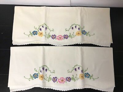 Vintage Embroidered Pillowcases - Flowers & Scalloped Edge
