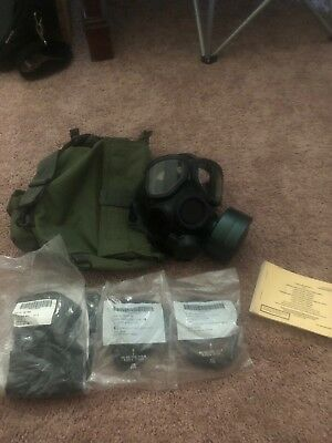 U.S. M-40 Gas Mask USA Military Army with extras