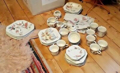 Mikasa Silk Flowers Dinner Set Plus More..mixed Lot Ex Cond Crockery