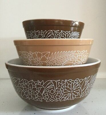 Pyrex Woodland Brown 3 Nesting Bowl Mixing Bowls