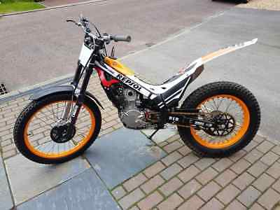 2015 limited edition no 0393 Repsol Montesa 4rt 260 cc trials bike