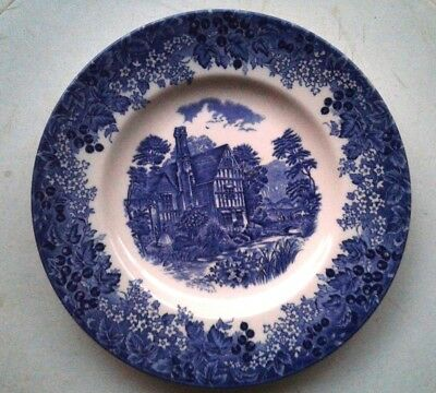 Excellent Collectible Wedgwood Queen's Ware White & Blue Porcelain Plate! 8 1/4""