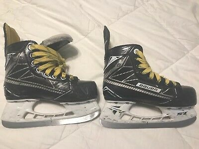 Youth Bauer Supreme Size 13d Skates