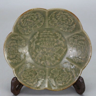Chinese old hand-carved kiln porcelain green glaze peony pattern  plate c01