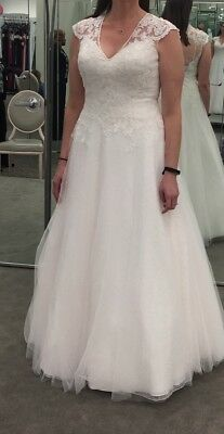 David's Bridal wedding dress, size 12, new with tags