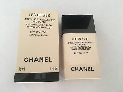CHANEL les Beiges Embellissent Belle Mine Hydratant Médium Light Neuf