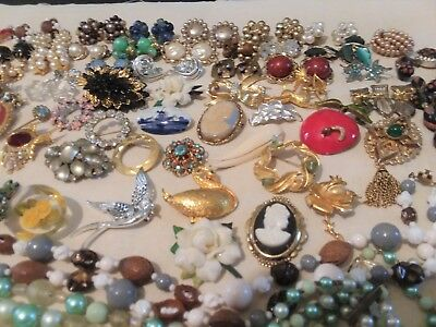 Vintage Large Lot Jewelry Estate Rhinestones Cameos Signed Earrings Brooches