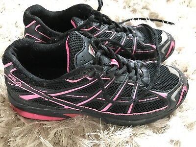 Ladies black and pink Fila trainers, size 6, good condition
