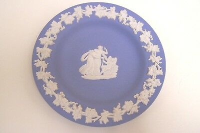 """Vintage English WEDGWOOD Plate with Wreath and Angel Decoration - 4 3/8"""""""