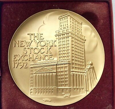 Ny Stock Exchange Bull Medal Honoring Hilary Clinton- The Executive Round Table
