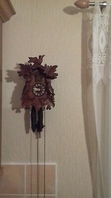 Vintage three bird  German Twin Weight Cuckoo Clock in very good condition