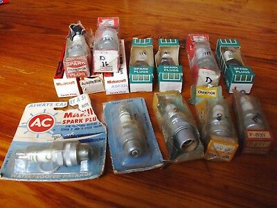 Mixed Lot of Antique Spark Plugs New Old Stock < Lot of 14 >
