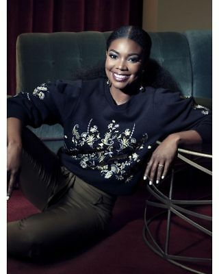 db4a1d7cf17 NEW York   Company GABRIELLE UNION COLLECTION EMBROIDERED SWEATSHIRT S Small