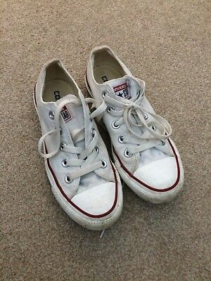 A Pair of White Converse All Star Trainers Size 3 In Good Condition