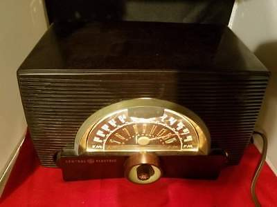 """VINTAGE General Electric Tube GE 440 Frequency Modulation Radio 13.5x6x8"""""""