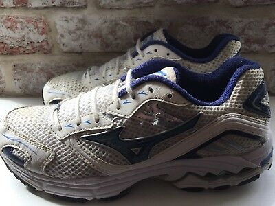 Womens U.k.6 Mizuno Running Trainers Good Condition