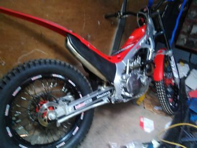 Honda montesa 4rt 2015