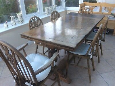 Oak Refectory Dining Table in excellent condition plus five chairs.