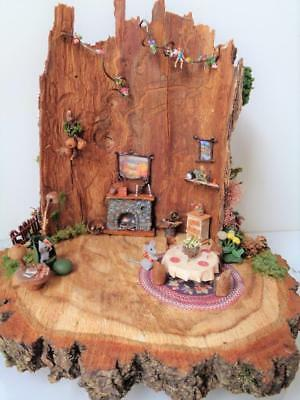 Country Mouse House Ferne Simpson Miniature Diorama Dollhouse TINY MICE Log Tree